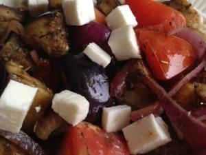 Provencaalse schotel aubergine, tomaat, feta